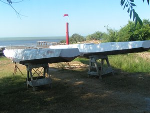 Kite sailer ama / float / stabilizer , kite-boat